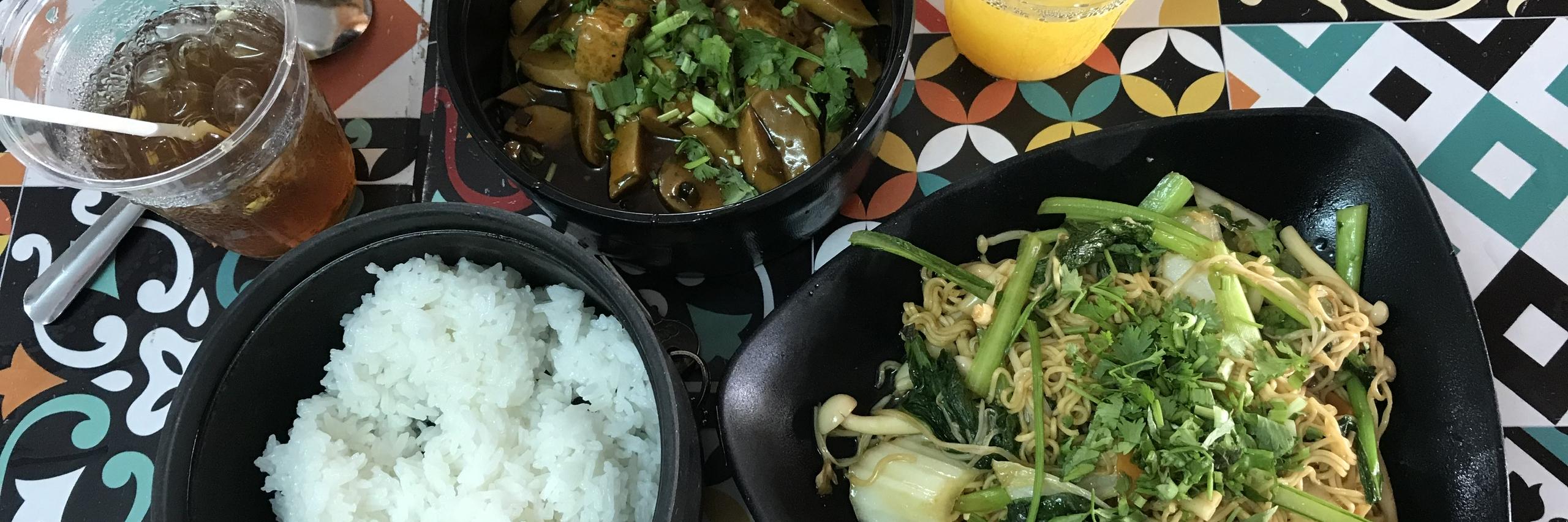 https://gody.vn/blog/congchua_mauhong803174/post/quan-chay-doi-vi-nhung-ngay-ngan-thit-o-quang-nam-8880