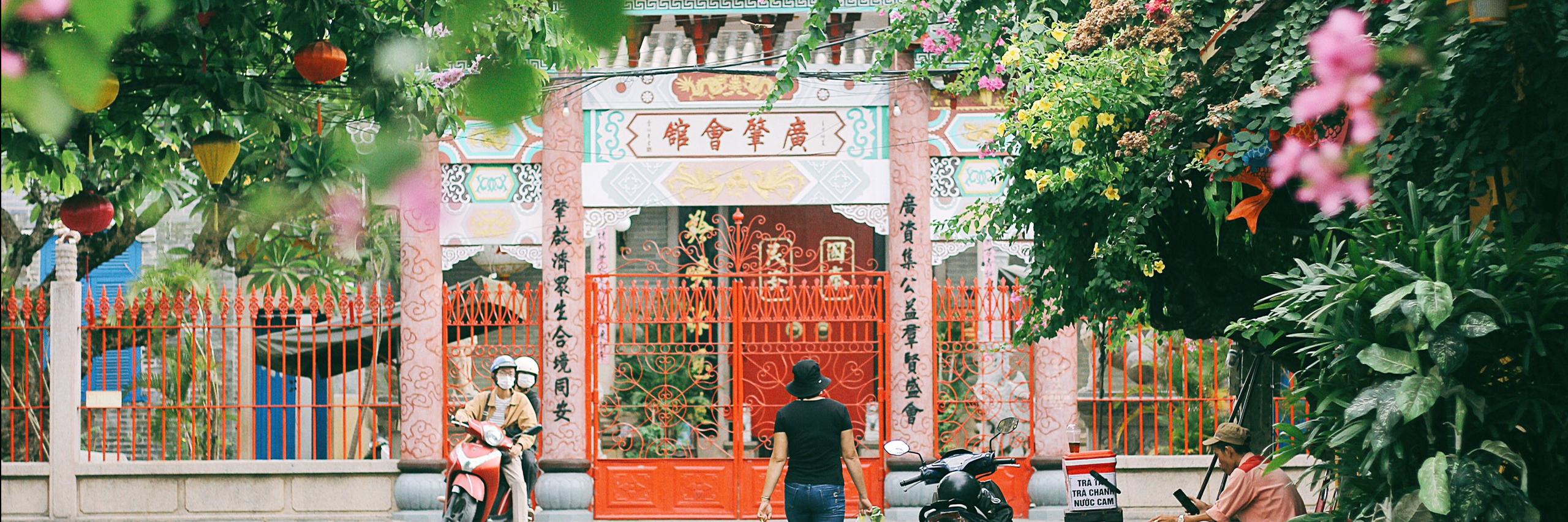 https://gody.vn/blog/congchua_mauhong803174/post/mot-ngay-du-lich-o-hoi-an-chi-voi-100-ngan-8886