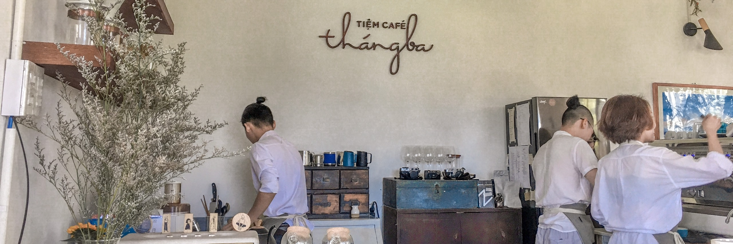 https://gody.vn/blog/vanhaitlhb231322/post/tiem-cafe-thang-3-6412