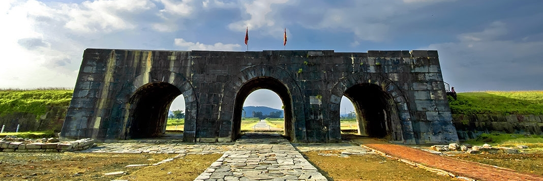 https://gody.vn/blog/thichdilac4616/post/du-lich-thanh-hoa-check-in-8-diem-dep-mo-mang-gap-he-nay-4277