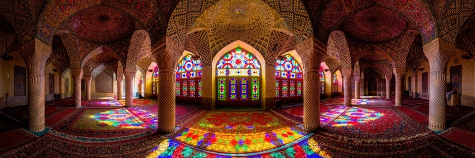 https://gody.vn/blog/nguyentoan02/post/ben-trong-nha-tho-hoi-giao-dep-nhat-the-gioi-tai-iran-1568