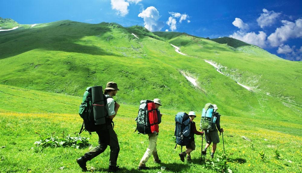 10 vật dụng không thể thiếu cho một chuyến trekking an toàn   GODY.VN