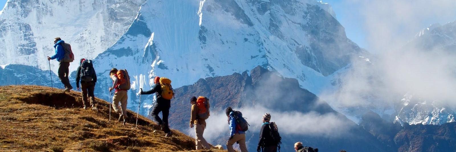 https://gody.vn/blog/cam-nang-trekking/post/10-vat-dung-khong-the-thieu-cho-mot-chuyen-trekking-an-toan-1310