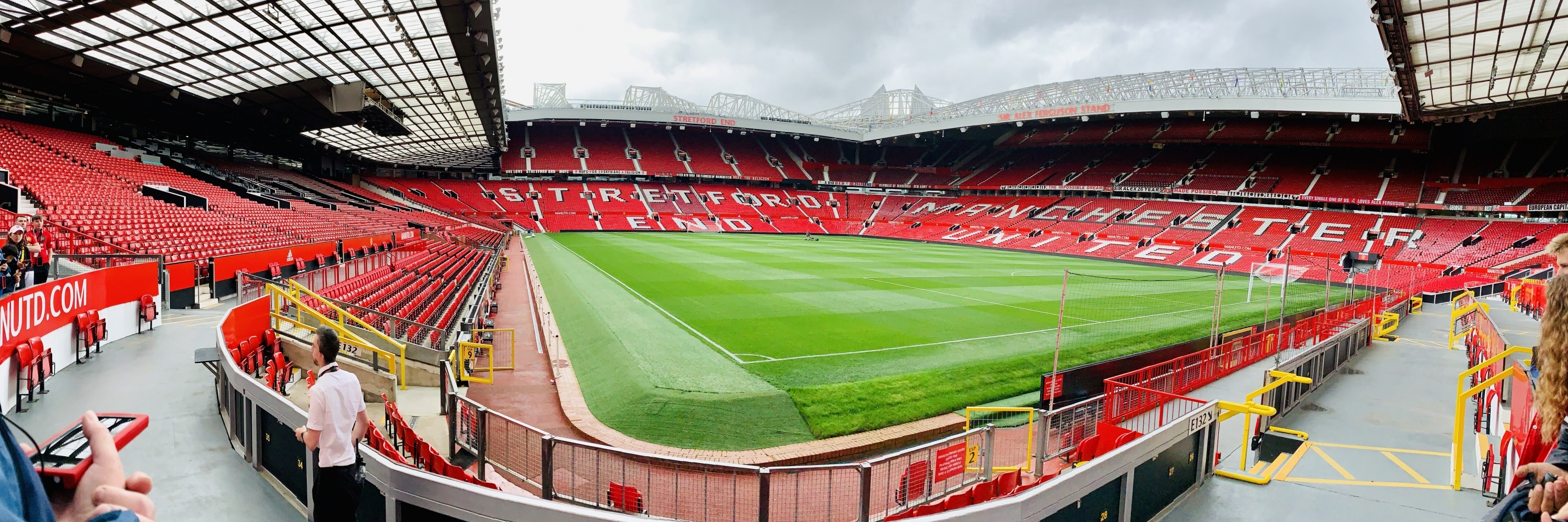 https://gody.vn/blog/thaianhle9517/post/manchester-old-trafford-va-trai-tim-cua-fan-mu-4511