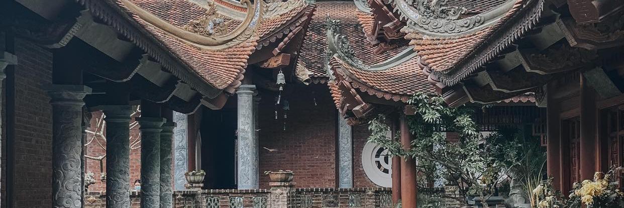 https://gody.vn/blog/nam16102273/post/kham-pha-chua-dia-tang-phi-lai-tu-ve-dep-song-nui-nuoc-nam-8301