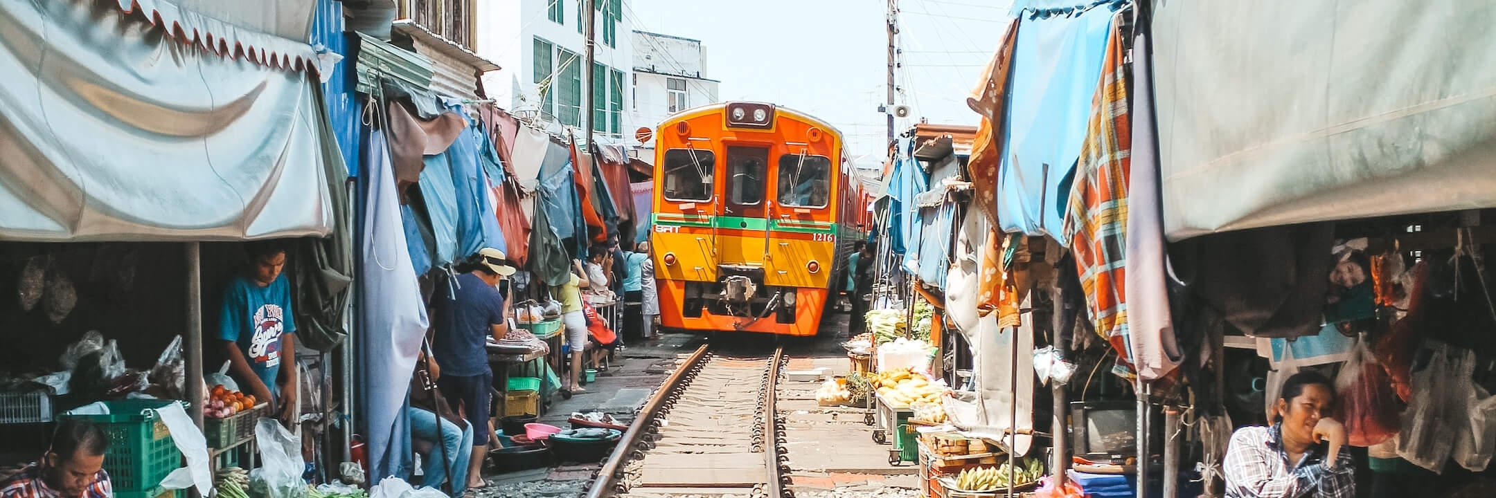 https://gody.vn/blog/hanguyen23413/post/maeklong-train-market-check-in-cam-giac-manh-khu-cho-duong-ray-o-thai-lan-3941