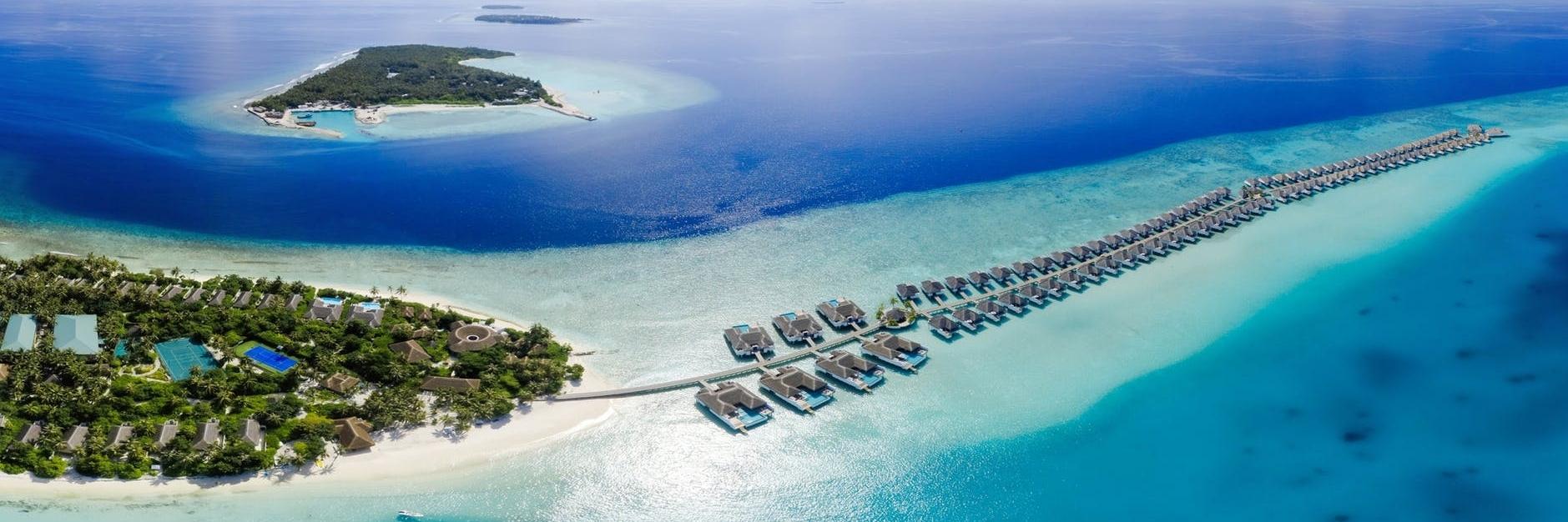 https://gody.vn/blog/nhichuong4052/post/du-lich-maldives-thien-duong-bien-ha-gioi-khong-vien-tuong-nhu-ban-nghi-4337