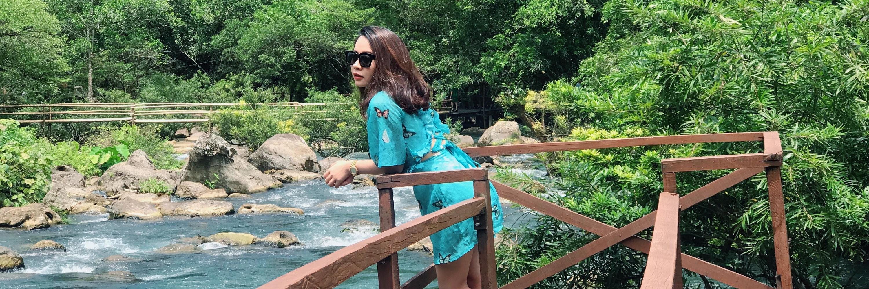 https://gody.vn/blog/trieu8655/post/kinh-nghiem-du-lich-suoi-nuoc-mooc-quang-binh-con-suoi-trong-vat-thau-tan-day-dep-khong-tuong-4186