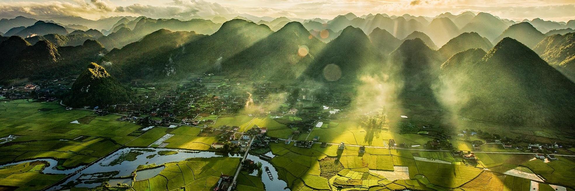 https://gody.vn/blog/vanloc7437/post/leo-dinh-na-lay-cham-tay-toi-may-troi-tai-thung-lung-vang-bac-son-4487